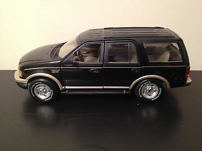 RARE U T Models 1:18 Scale Die Cast Ford Expedition Eddie Bauer Edition (Black)