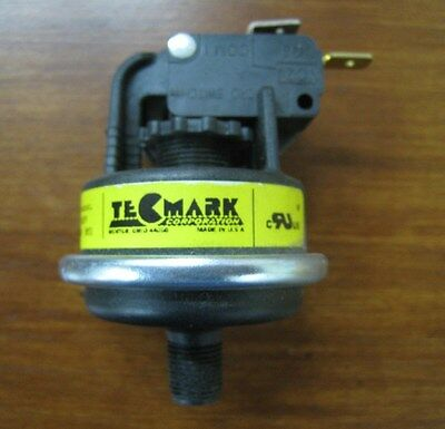 """Tecmark Corporation - Pressure Switch, For Spa Packs 4037P, 21A, 1/8"""" MPT"""