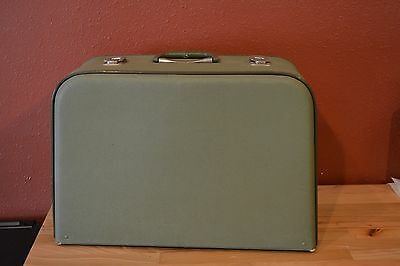 Vintage Briana Sewing Machine Record 730 Travel Case Green