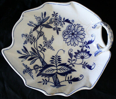 """Vintage BLUE MEISSEN ENGLAND flow blue candy dish nut dish 6"""" by 7"""" blue  white"""