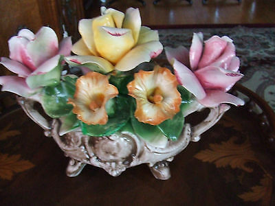 CAPODIMONTE PORCELAIN FLOWER BASKET MADE IN ITALY