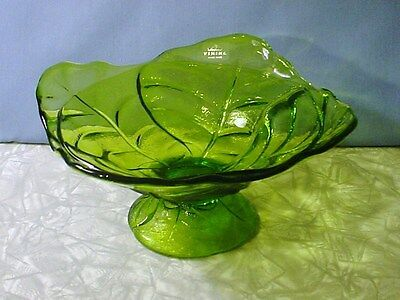 NEW! BEAUTIFUL VIKING HAND MADE BRIGHT GREEN SQUARE LETTUCE PEDESTAL BOWL