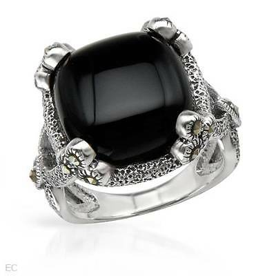 SIGAL Lovely Ring With Genuine Onyx Made in 925 Sterling silver Size 6
