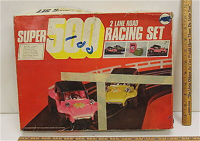 Super 500 Racing Set Battery Powered 1:43 Scale Dune Buggy Pink Green 1960's