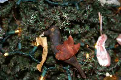 Primitive CROW WITH HEART WINGS Ornaments with LOVE Banner