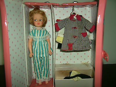 Vintage Pepper Tammy 's Ideal doll family sister & case lots fashions clothes