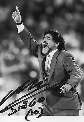 Photo de Maradona signature autographe E4!!!!!!!!!!!!!!!!!!!!!!!!!!!!!!!!!!!!!!!