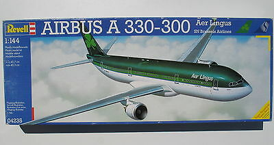 Revell 04235 - AIRBUS A 330-300 - Aer Lingus / SN Brussels Airlines  - 1:144 KIT