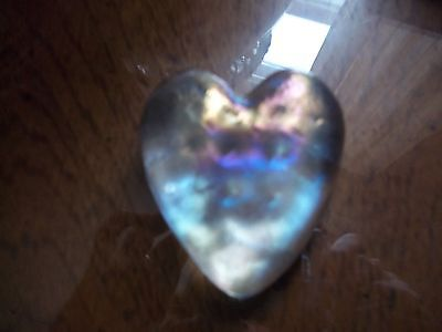 beautiful rainbow glass heart paper weight great Valentines gift 2 in x2 in appr