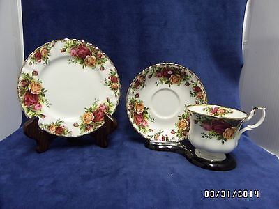 Royal Albert Old Country Roses Tea Cup Saucer & Bread Plate England EUC