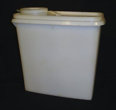 VINTAGE TUPPERWARE WHITE SHEER CEREAL KEEPER CONTAINER POUR SEAL
