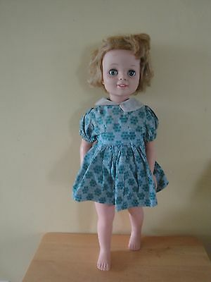 """RARE VINTAGE 1960'S EEGEE """"TANDY TALKS"""" 21.5 INCH DOLL*CLOTHES"""