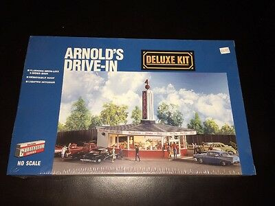 WALTHERS CORNERSTONE ARNOLD'S DRIVE-IN   933-3708     KIT HO Sealed NIB