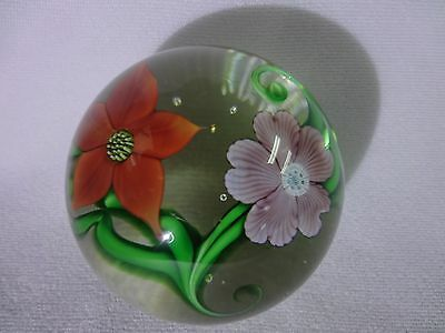 Lovely ORIENT & FLUME Garden FLOWERS Blooming BOUQUET Glass PAPERWEIGHT