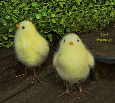 Set of 2 ~ Sweet Wool Chicks ~ Easter