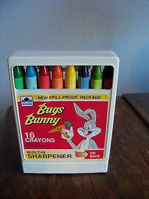 Vintage Bugs Bunny and Friends 16 Non-Toxic Kid Boy and Girl Crayons 1989
