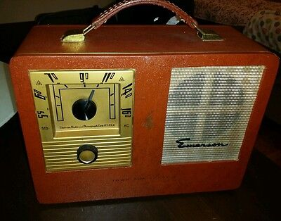 Vintage Emerson Town And Country Radio