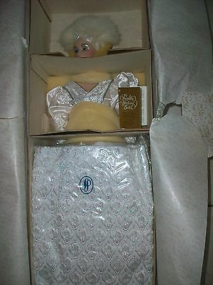 """FRANKLIN MINT Snow Queen MASQUERADE PORCELAIN 22"""" 1988 FREE SHIP USA THIS 1 ONLY"""