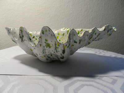 "VINTAGE CERAMIC SEE SHELL GREEN and WHITE BIG BOWL 12"" X 8 1/2"" X 4"""