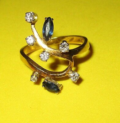 BEAUTIFUL 18ct GOLD SECONDHAND SAPPHIRE AND DIAMOND RING SIZE M