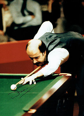Willie THORNE Signed Autograph 16x12 Photo SNOOKER Crucible AFTAL COA