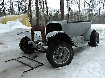 Ford : Model T Touring Late 1910's / Early 1920's Ford Model T Touring Car