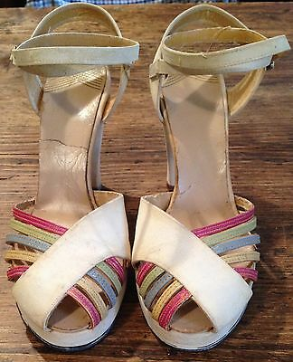 Vintage early 1940 40s 40's creamy white suede platform shoes unfindable design