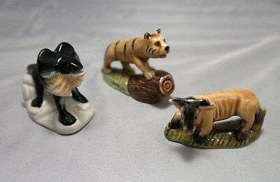 Set of 3 Toy Wade Figurines: Bengal Tiger, Frilled Lizard, Wildebeest