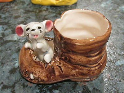 VINTAGE MOUSE IN BOOT CERAMIC ORNAMENT RETRO KITSCH COLLECTABLE