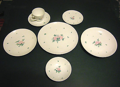 TWELVE 7-PIECE SETTINGS OF ROSENTHAL ROMANCE ROSE CHINA/27 SERVING PIECES