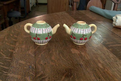 Adorable Mary Englebreit A Pair of Teapot Candleholders Cherries