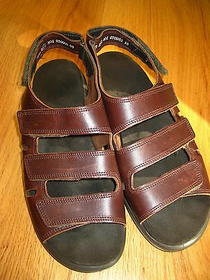 WOMENS Brown Leather Clarks 9.5 M SPRINGERS 3 Straps Sandals SHOES gently worn