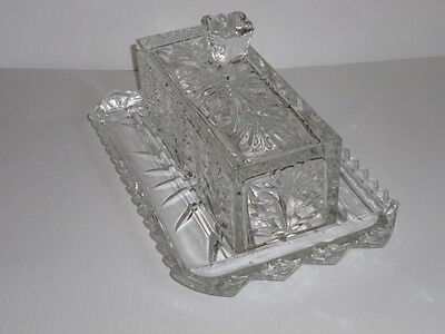 BUTTER DISH AND KNIFE TRAY~CRYSTAL