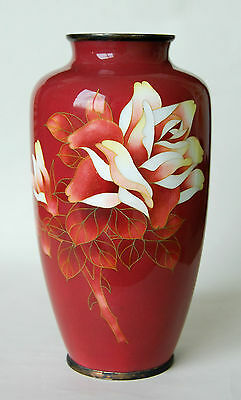 Nice quality Japanese cloisonne Vase with Flowers on Ruby-Red Color ground