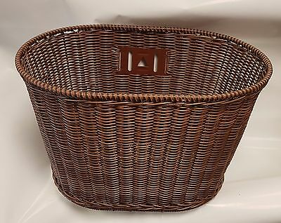Bicycle wicker style basket with handle and quick release, easy fitting