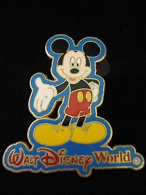 Walt Disney World WDW  Mickey Mouse Park Official Pin Trading 2002