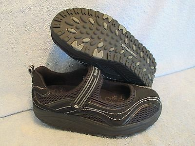 Womens Shoes SKECHERS Size 7 1/2 M BLACK MARY JANES LN