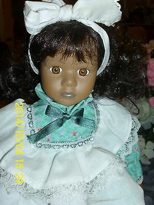 """DOLLS PORCELAIN """"POLLY PINAFORE""""  FULLY DRESSED  NICE HAIR  NO CHIPS CLEAN  DOLL"""