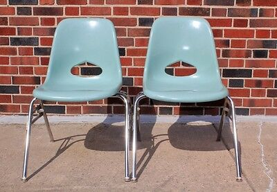 2 Vintage Krueger Metal Products Turquoise Fiberglass Large Side Stacking Chair