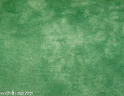 "HAND DYED RUG HOOKING WOOL Over-Dyed ~ ""GREEN GENIE (BB)"""