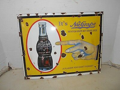 VINTAGE COLLECTIBLE PORCELAIN NU-GRAPE METAL advertisment SIGN
