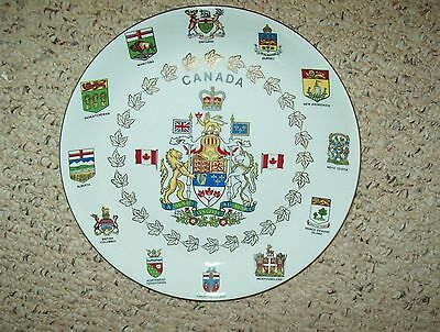 VINTAGE ALFRED MEAKIN CANADIAN COAT OF ARMS COLLECTOR PLATE