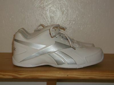 Mens Reebok White  Athletic Shoes Size 6 1/2 (New)
