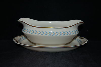 Syracuse Sherwood Gravy Boat with Attached Underplate