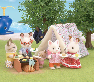 Sylvanian Families Seaside Camping Set with Tiffany Golightly