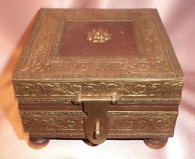 Vintage India ~ Small Handmade Brass Wood Trinket Box ~ Estate Collectable