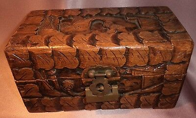 Vintage ~ Small Camphor Wood Trinket / Jewellery Box ~ Estate Collectable