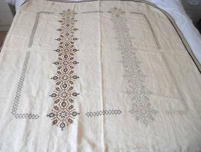 Vintage Pt Worked Traced Linen Table Cloth To Embroider X Stitch Design