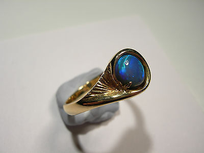 Lightening Ridge Opal on 18ct Gold Ring (Lot 2238)