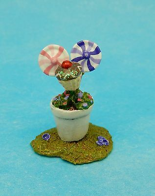 BLOOMING' GOOD FLOWER POT by Wee Forest Folk, WFF#A-5, FT Cupcake Event Piece